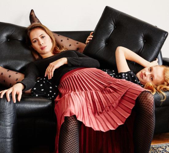Strumfhosen von Too Hot To Hide: Stylish Julia mit Rautenmuster und Crazy Tilly mit modischen Sternchen.