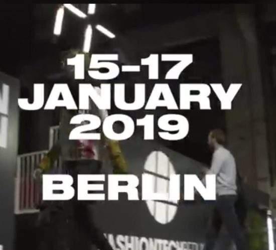 Wir freuen uns auf das erste Highlight dieses jungen Jahres: die SEEK Berlin! Wir erwarten euch mit frisch gestrickter Legwear und jeder Menge neuer Designs! Kommt vorbei - 15.-17. Januar Stand D27! 😊