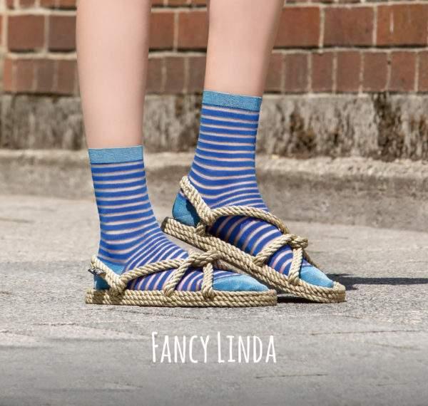Fancy Linda royal blue: Viskose - Söckchen mit transparenten Ringeln und Lurex - Details