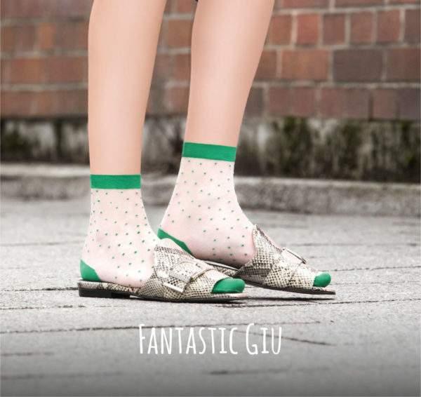 Fantastic Giu flashy green: 15 den Söckchen mit Pünktchen