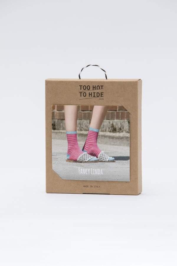 Verpackung Fancy Linda flashy pink: Viskose - Söckchen mit transparenten Ringeln und Lurex - Details