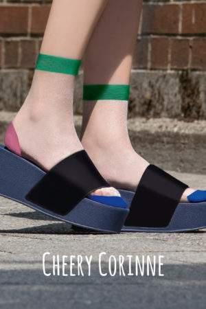 Cheery Corinne: transparente Söckchen mit abgesetzter Ferse, Spitze und Bund