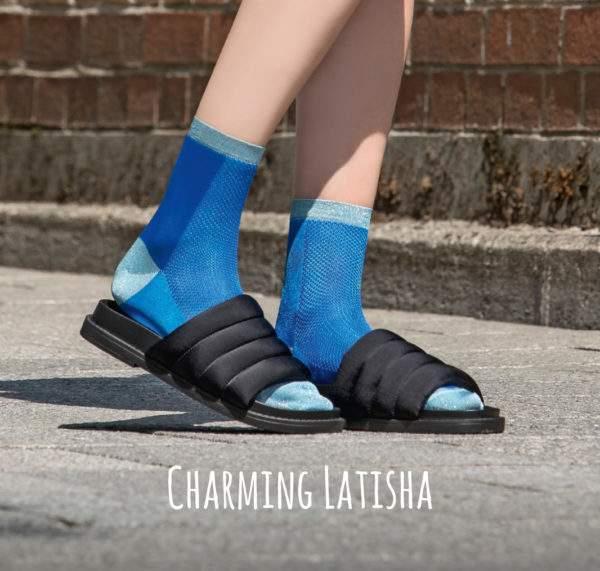 Charming Latisha royal blue: Leichte Viskose -Söckchen mit Lochmuster und Lurex-Details an Ferse, Spitze, Bund