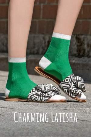 Charming Latisha flashy green: Leichte Viskose -Söckchen mit Lochmuster und Lurex-Details an Ferse, Spitze, Bund