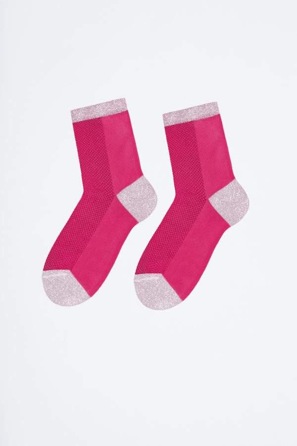 Charming Latisha flashy pink: Leichte Viskose -Söckchen mit Lochmuster und Lurex-Details an Ferse, Spitze, Bund