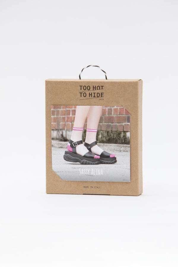 Verpackung Sassy Alina flashy pink: Transparenete Söckchen mit abgesetzter Ferse und Spitze und sportivem Bund