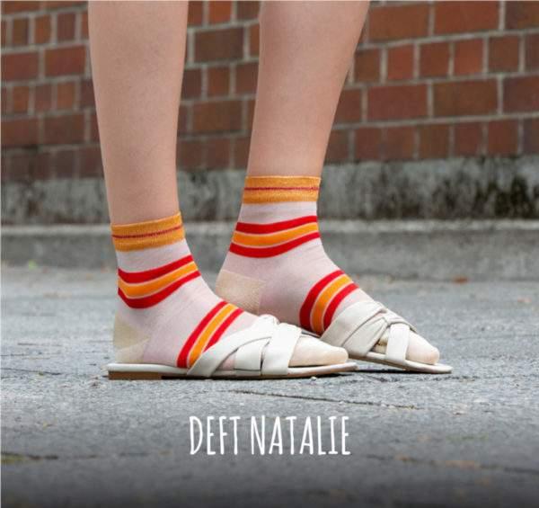 Deft Natalie red orange: transparente Söckchen