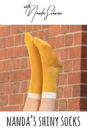 Nanda's Shiny Socks maisgelb