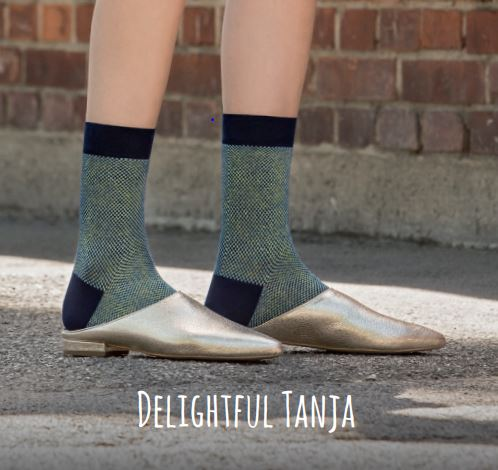 Delightful Tanja sapphire blue
